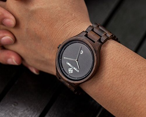La moda degli orologi in legno: il trend del momento
