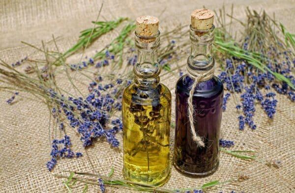 Allergie e cambio di stagione ti affaticano? Prova l'aromaterapia